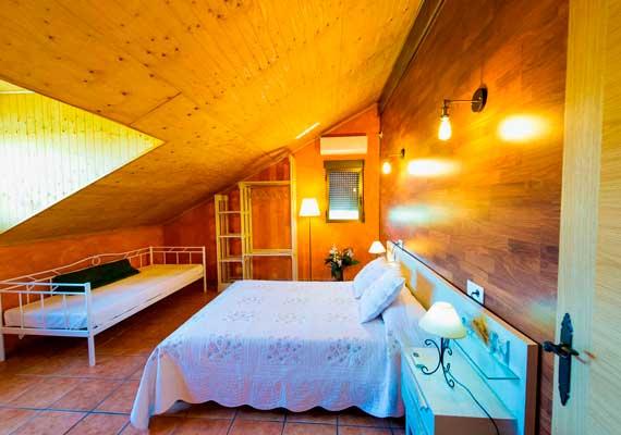Interior habitación casa los pedroches